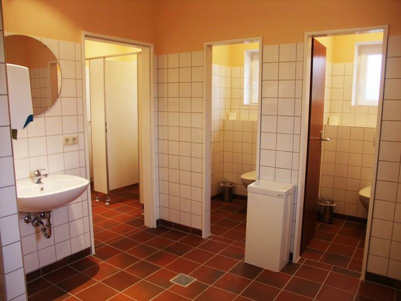 Sanitäre Anlagen · Gemeinschaftsküche · Grundstück